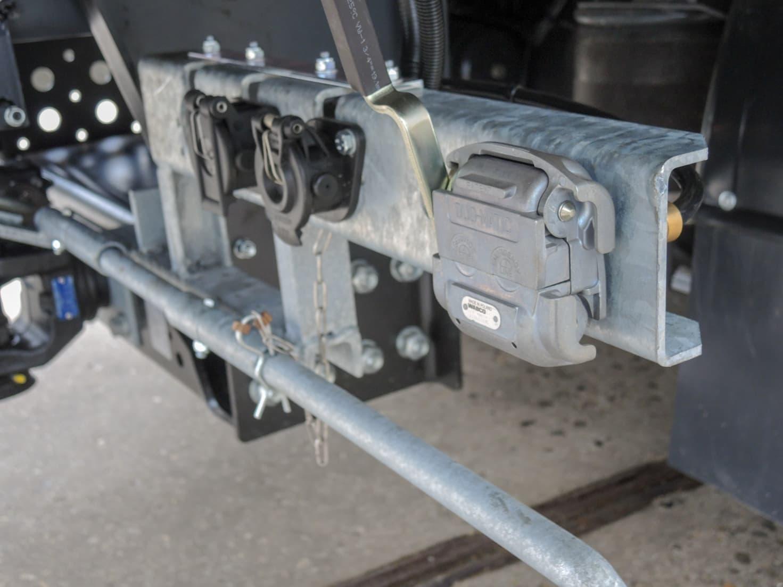 DAF RTS regio cruiser met gesloten laadbak voor Verkeersschool Berend Knol