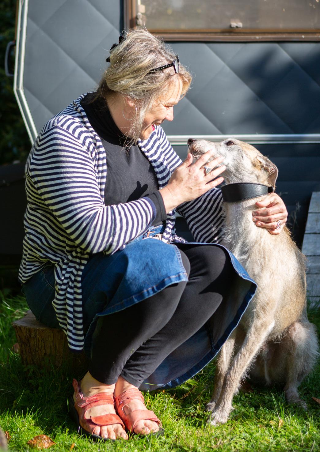 Samantha Barnes is ipaintdogs, in the dog garden Suffolk.