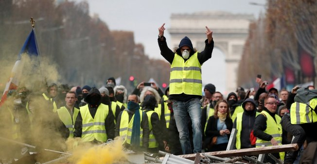 yellow-vest-protest.jpg