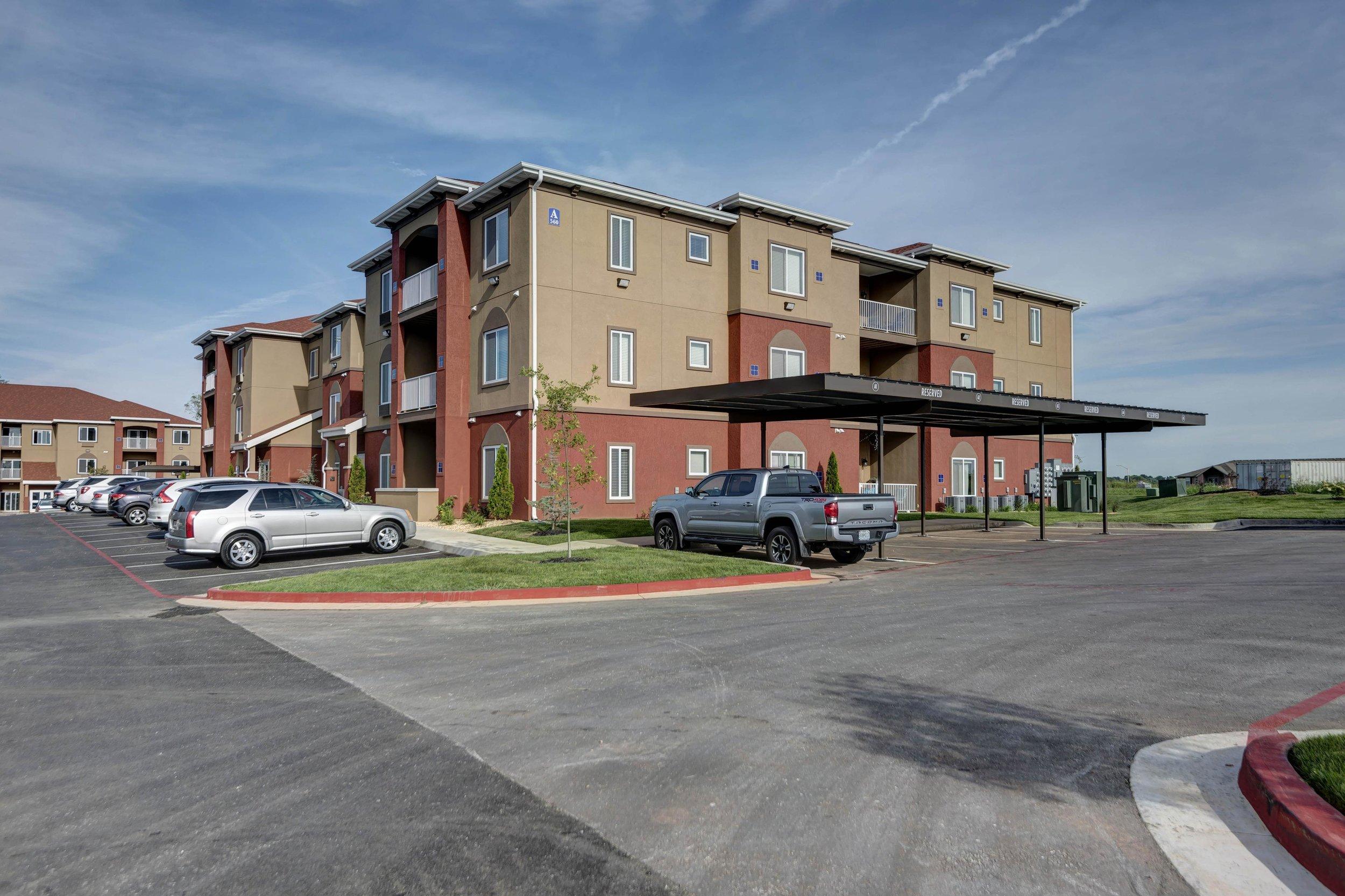 VERANDAS - 560 W. Bryant Street (5.78 mi)Springfield, Missouri 65810