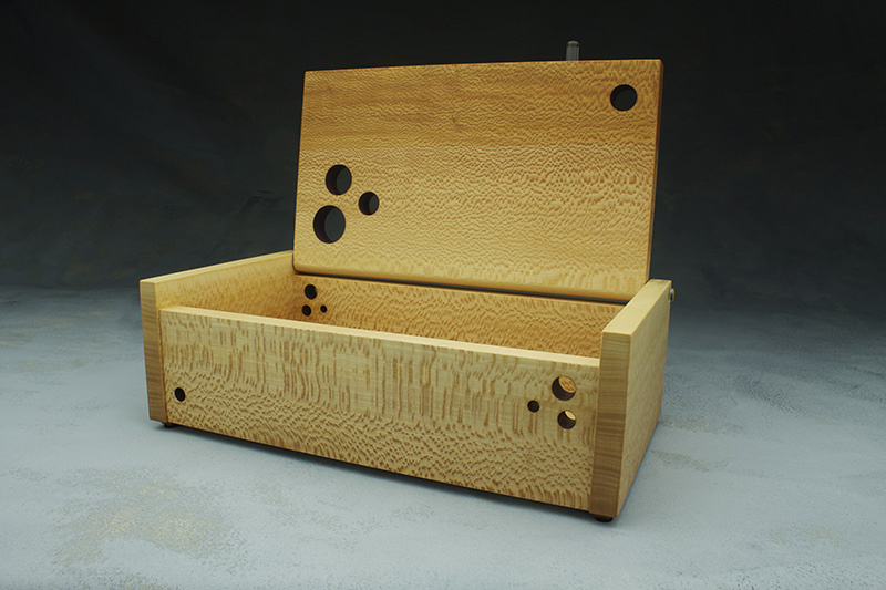 quarter sawn sycamore treasure box