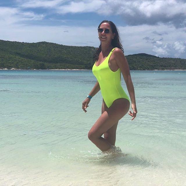 👋🏼Hello 👋🏼 #swimweek  #leggings off , 👙 ON! 💥 #miami2019