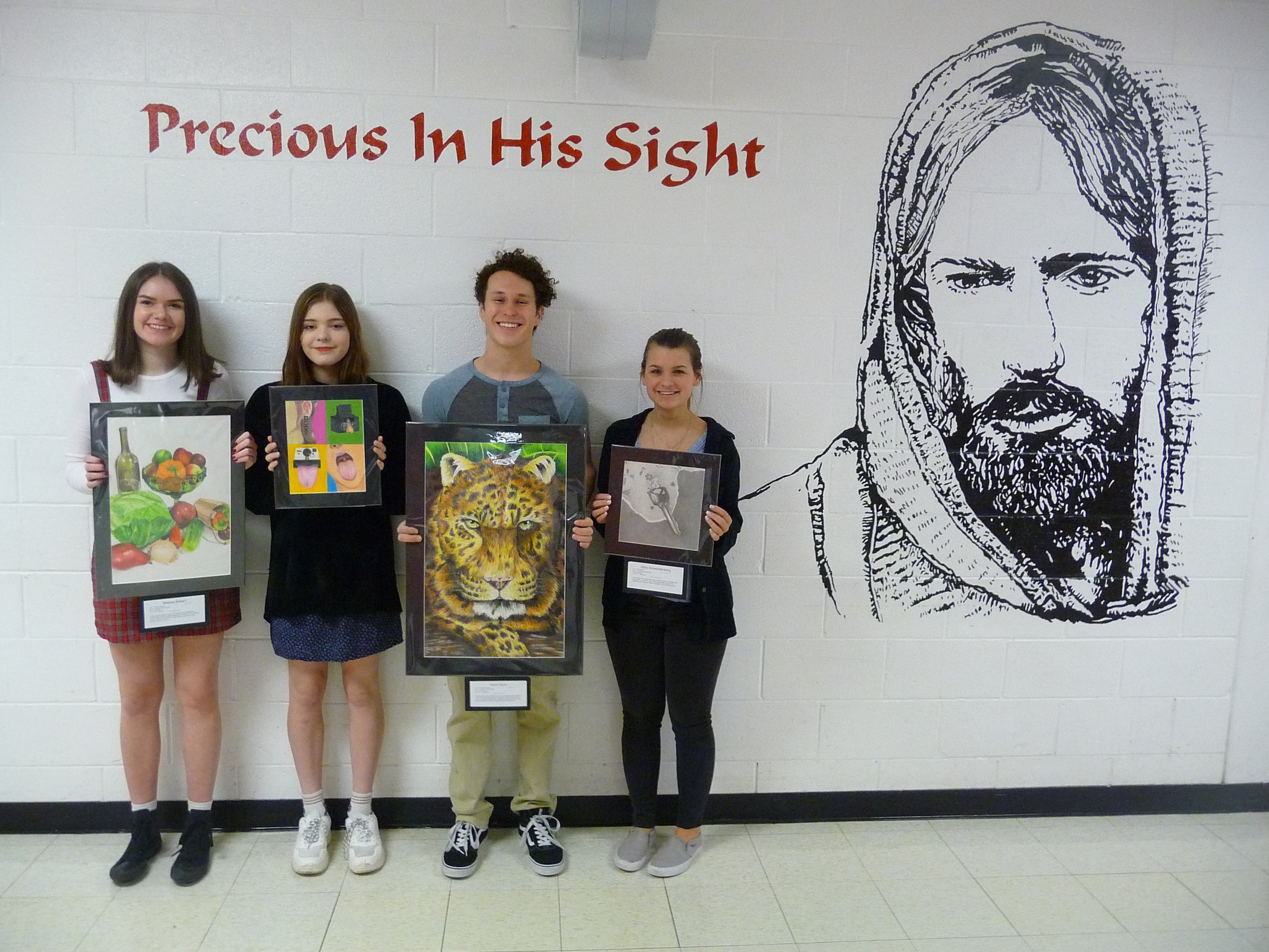 Melanie Siebert, Maddie Kasat, Aaron Gunn & Abby Schwichtenberg with their award-winning artwork