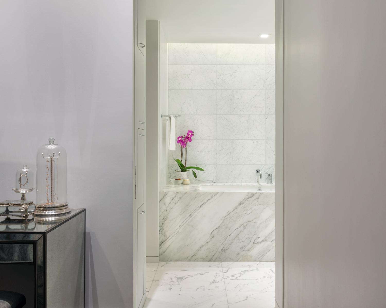 new-york-architect-adi-gershoni-master-bathroom-2.jpg