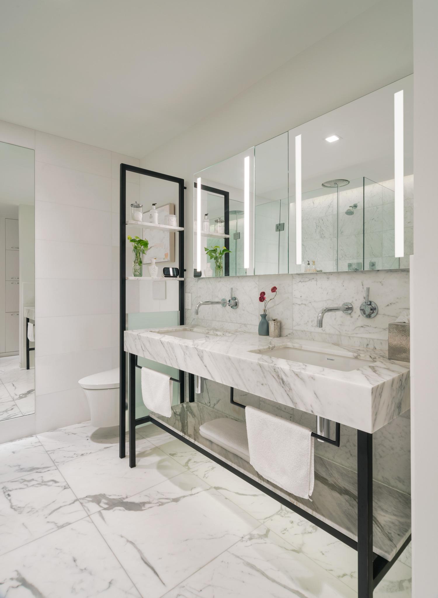 new-york-architect-adi-gershoni-master-bathroom-5.jpg