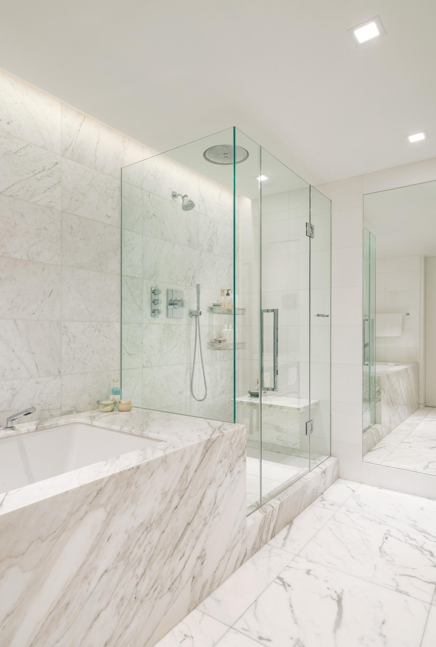 new-york-architect-adi-gershoni-master-bathroom-6.jpg