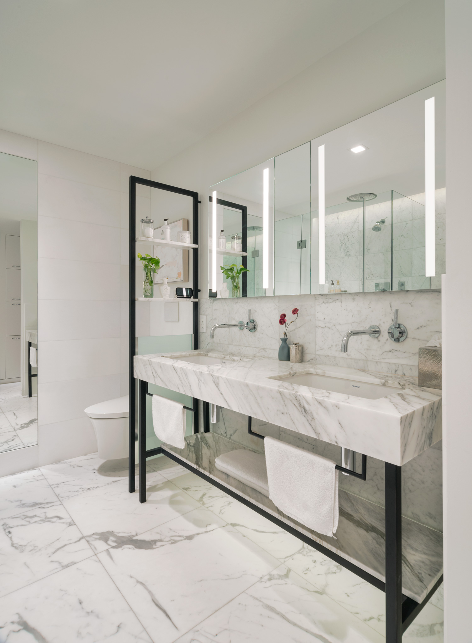 new-york-architect-adi-gershoni-master-bathroom-5.jpg