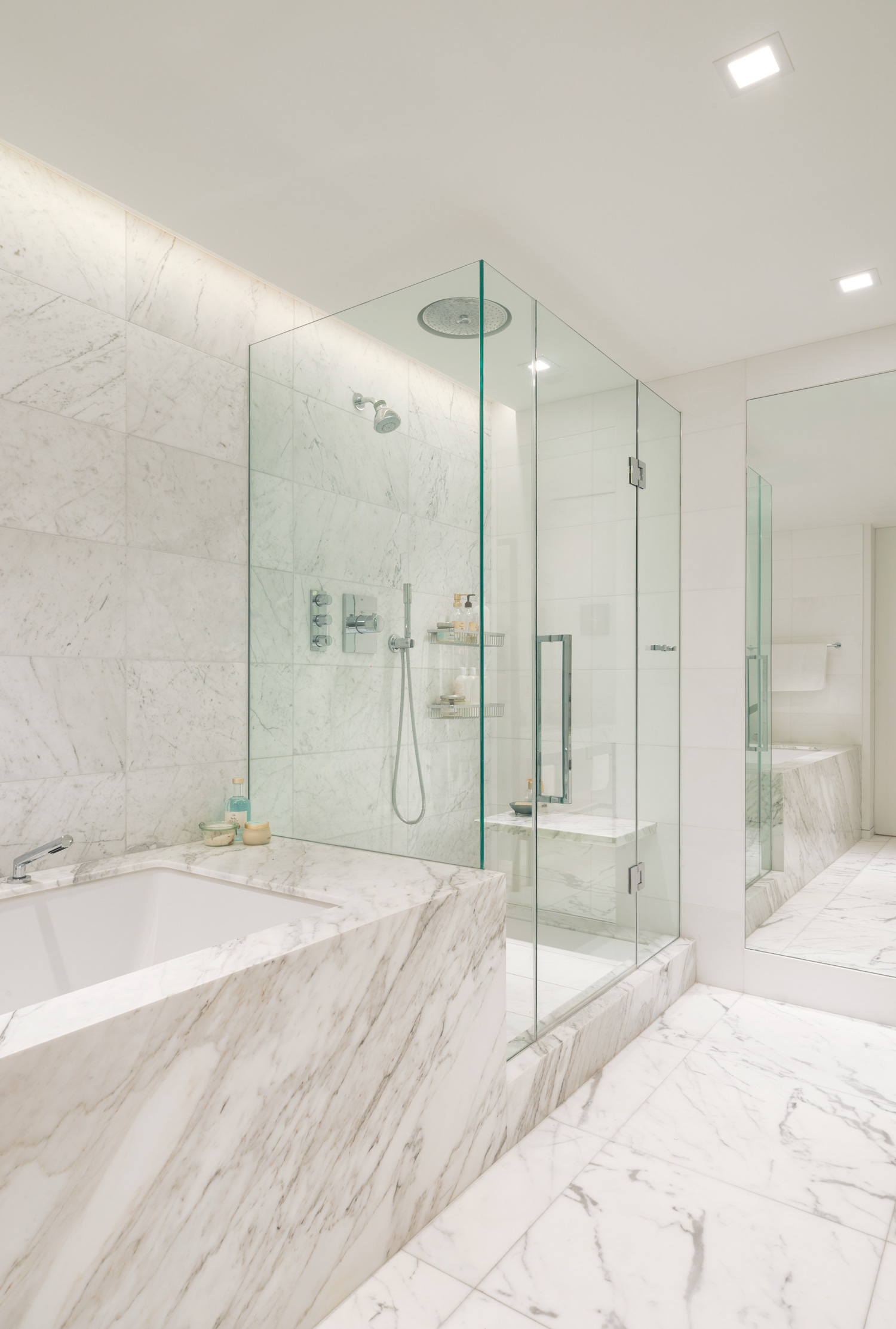 new-york-architect-adi-gershoni-master-bathroom-6.jpg