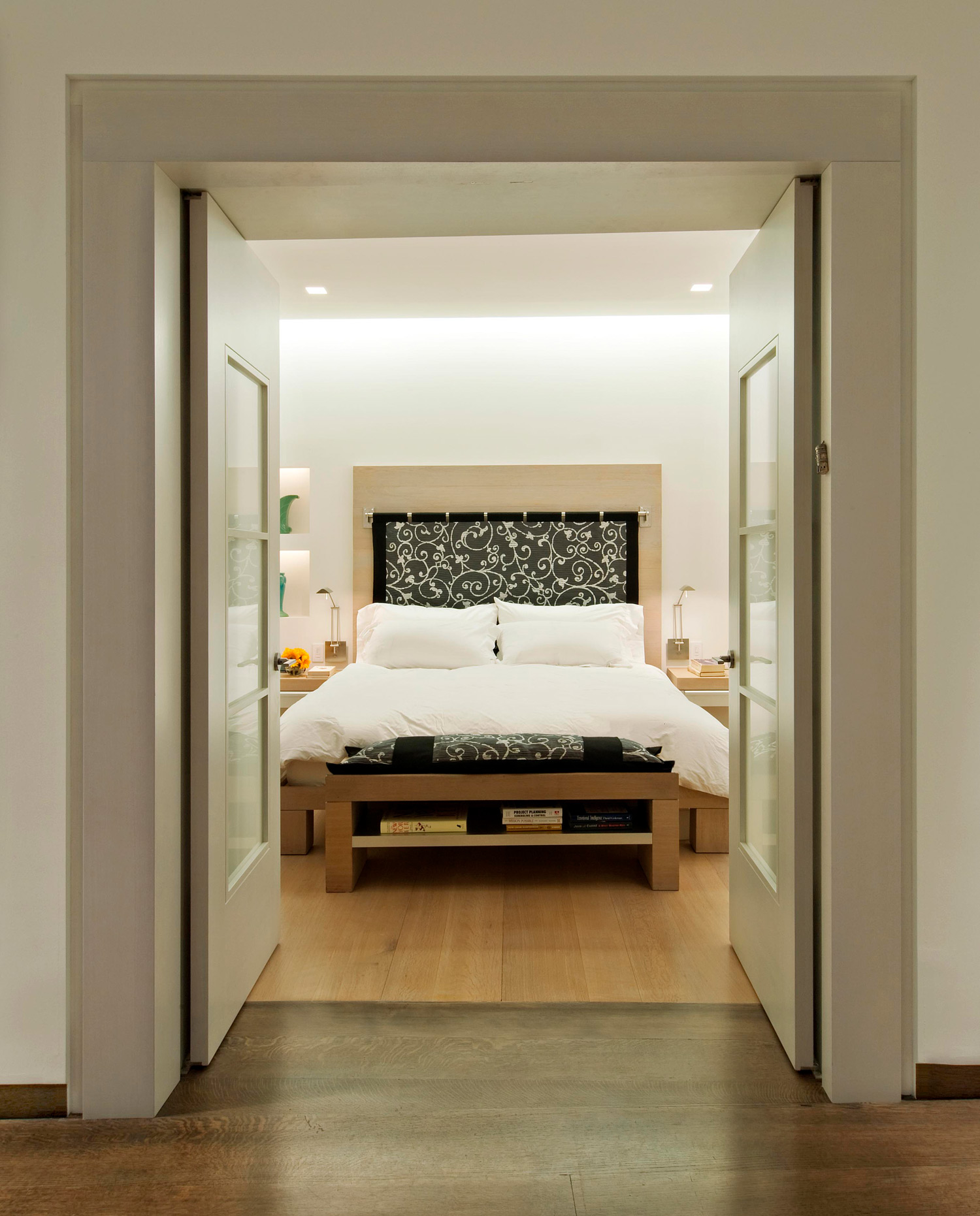 new-york-architect-loft-bedroom.jpg