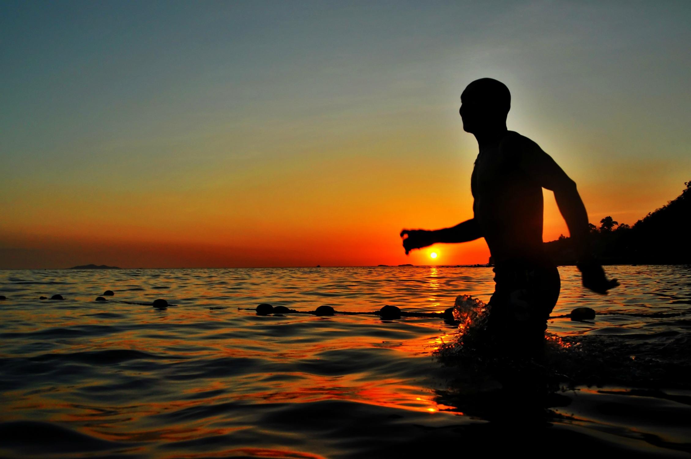 adventure-sunsetwaves.jpg