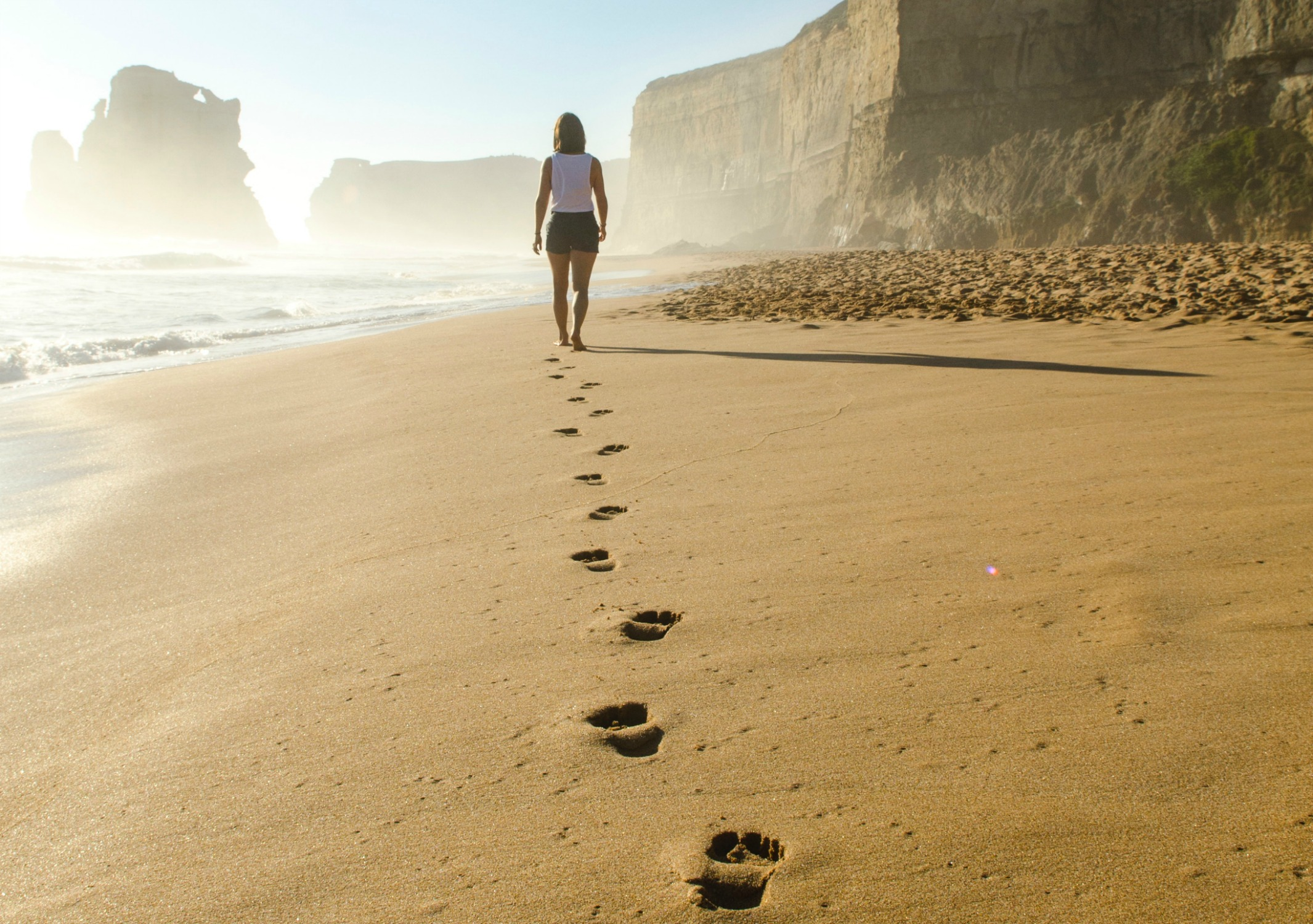 location-beach-footsteps.jpg