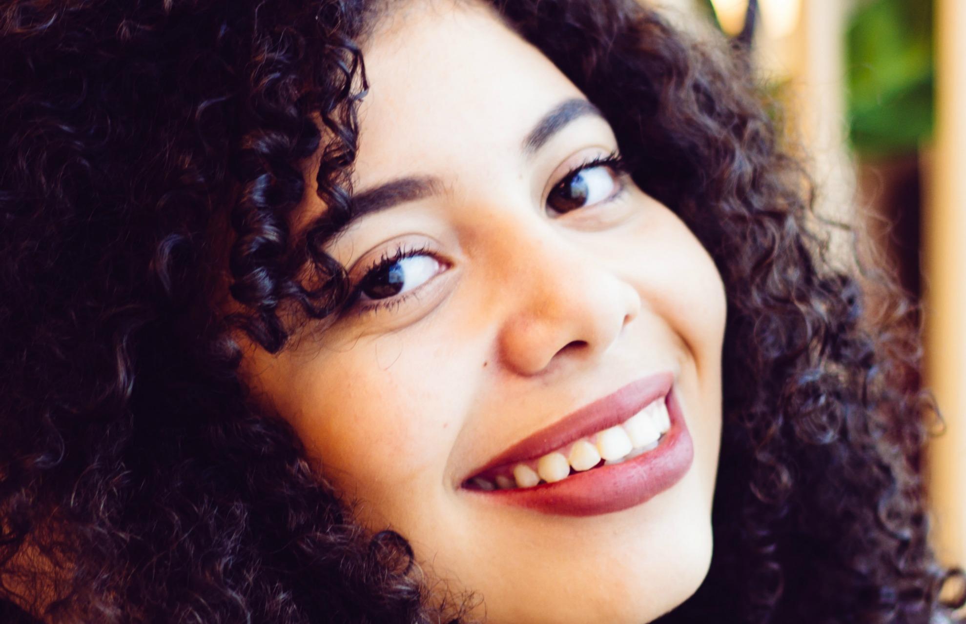 smile-curly.jpg