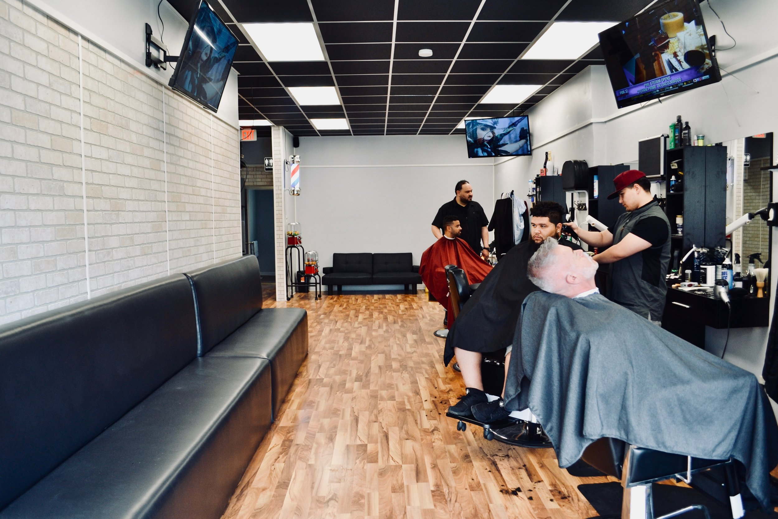 Services Tailored to You - Creation Cuts Barbershop is located near the intersection of Grand and Oak Park in Chicago. This shop caters to men and kids looking for that classic men's cut, custom shave, or the latest trends.