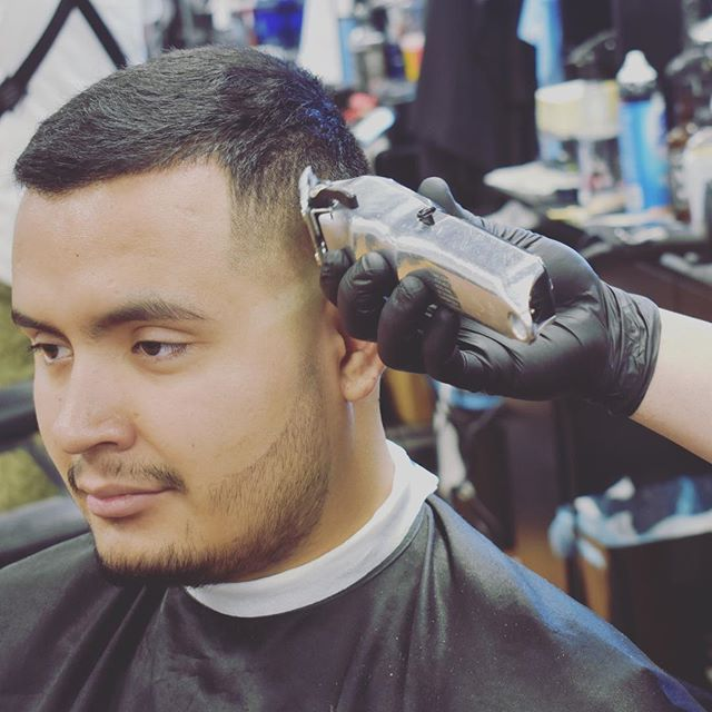 💈action shoot 📸 #barbershop #fadehaircut #fade #beard #wahl