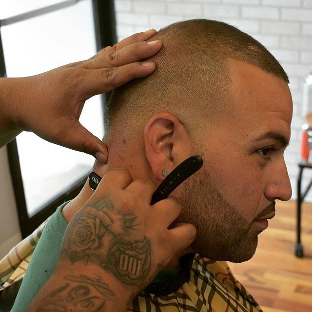 Fresh cuts for the hot summer #wahl #tattoos #barbershop #fade #fadehaircut #razorcuts #razorblades