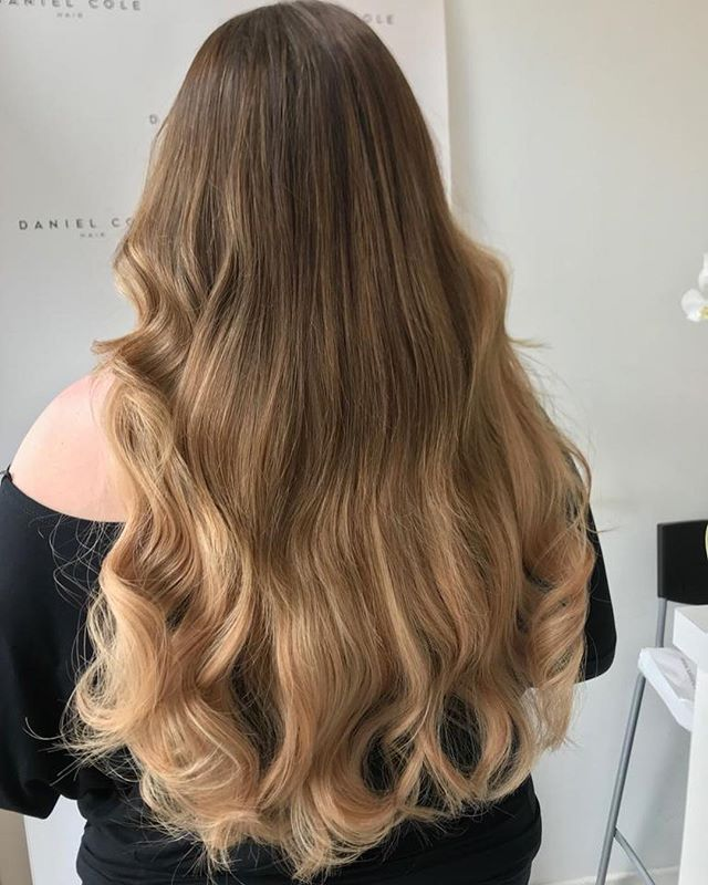 Balayage and Russian Mongolian extensions by Dan! Swipe for before pic 🙌🏼 #balayage #extensions #wavy #bouncyhair #essexhair #essex #essexhairdresser
