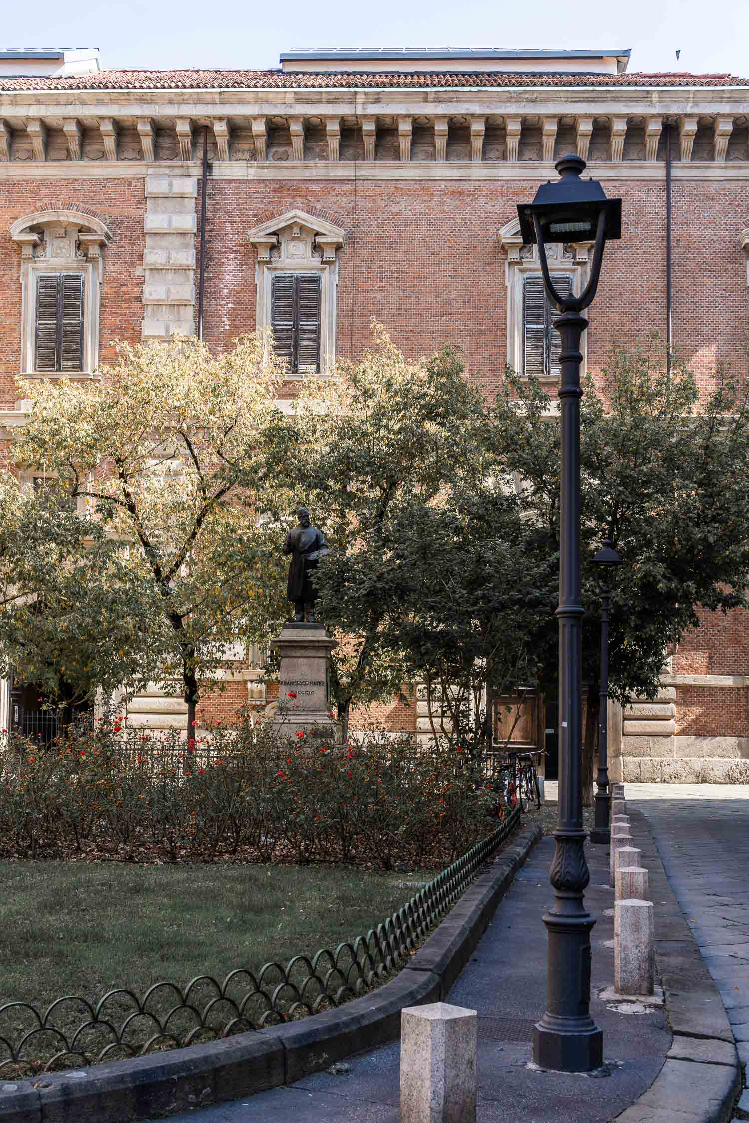Milan-02346.jpg