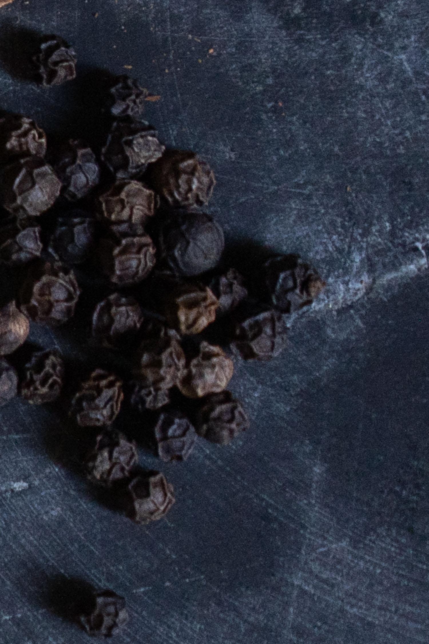 Black-Pepper-Corns-03908-2.jpg