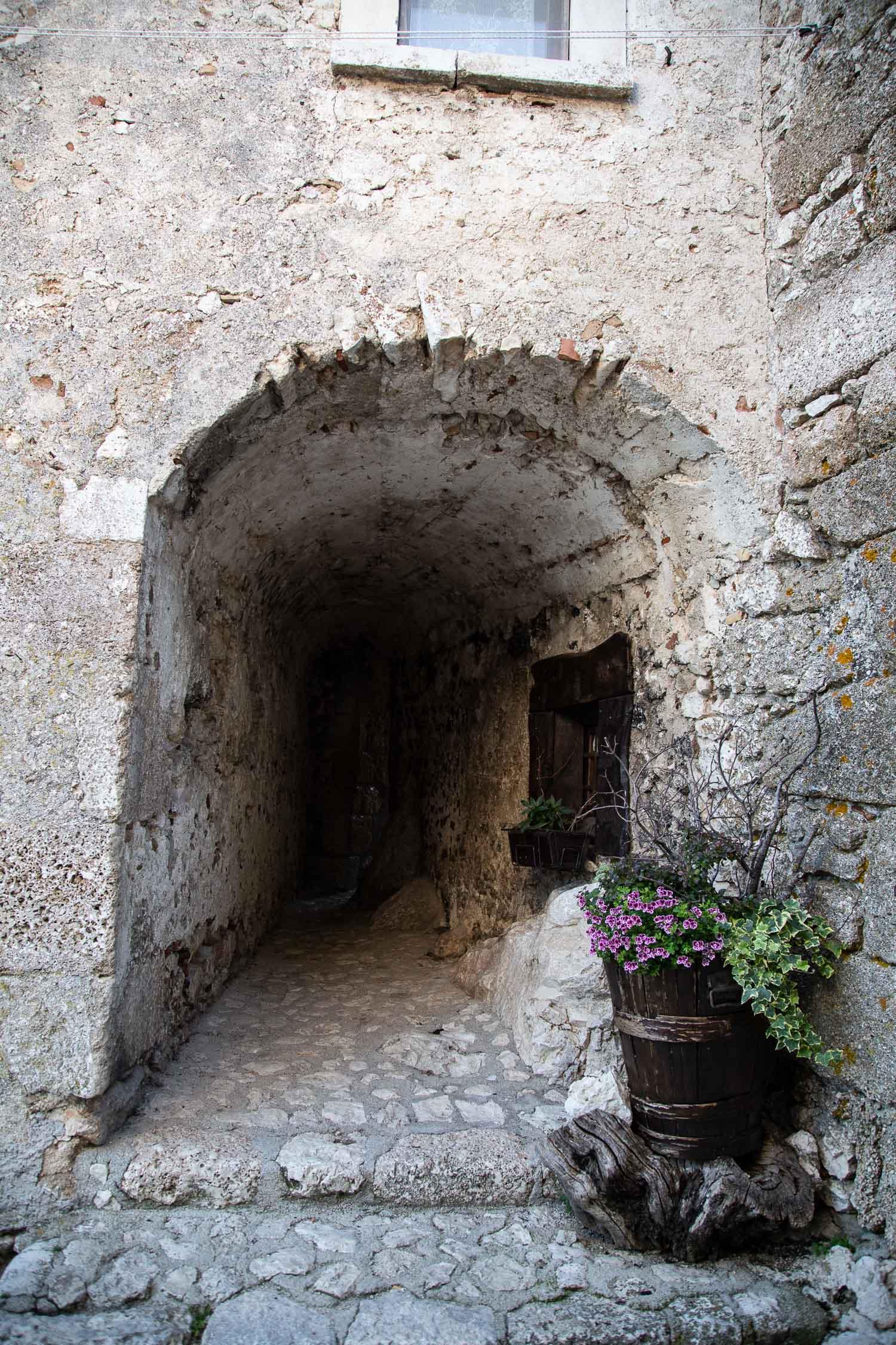 Santo-Stefano-di-Sessanio-Abruzzo-5625.jpg