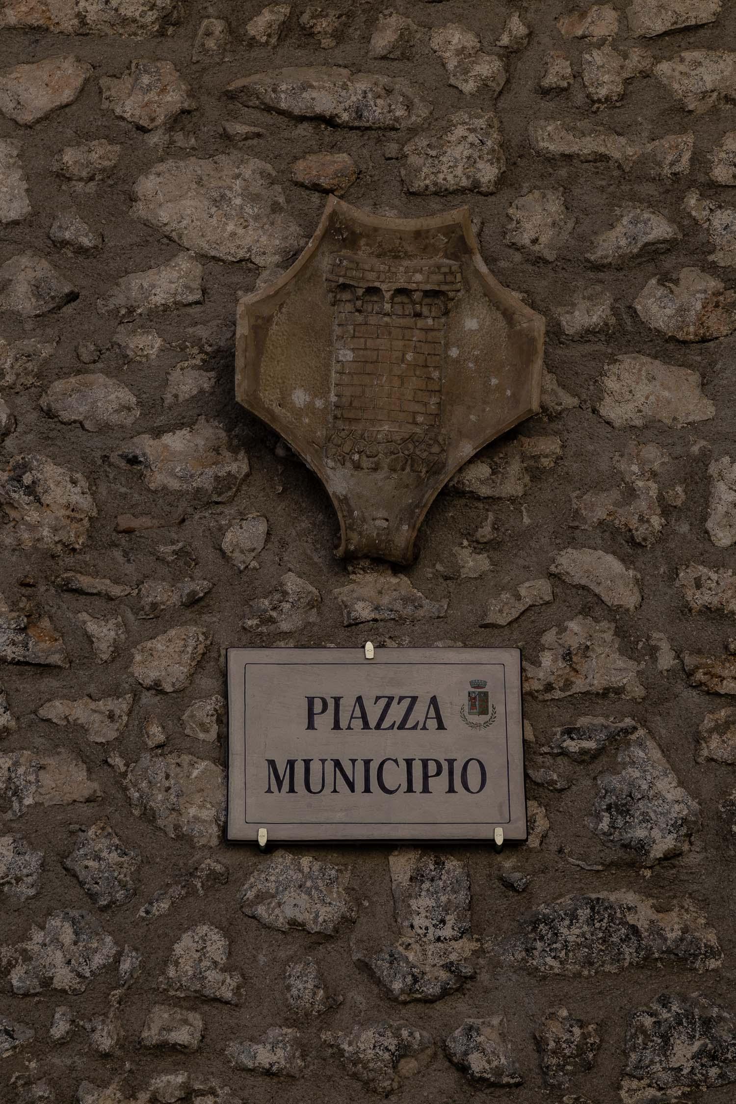 Santo-Stefano-di-Sessanio-piazza-Abruzzo-5645.jpg