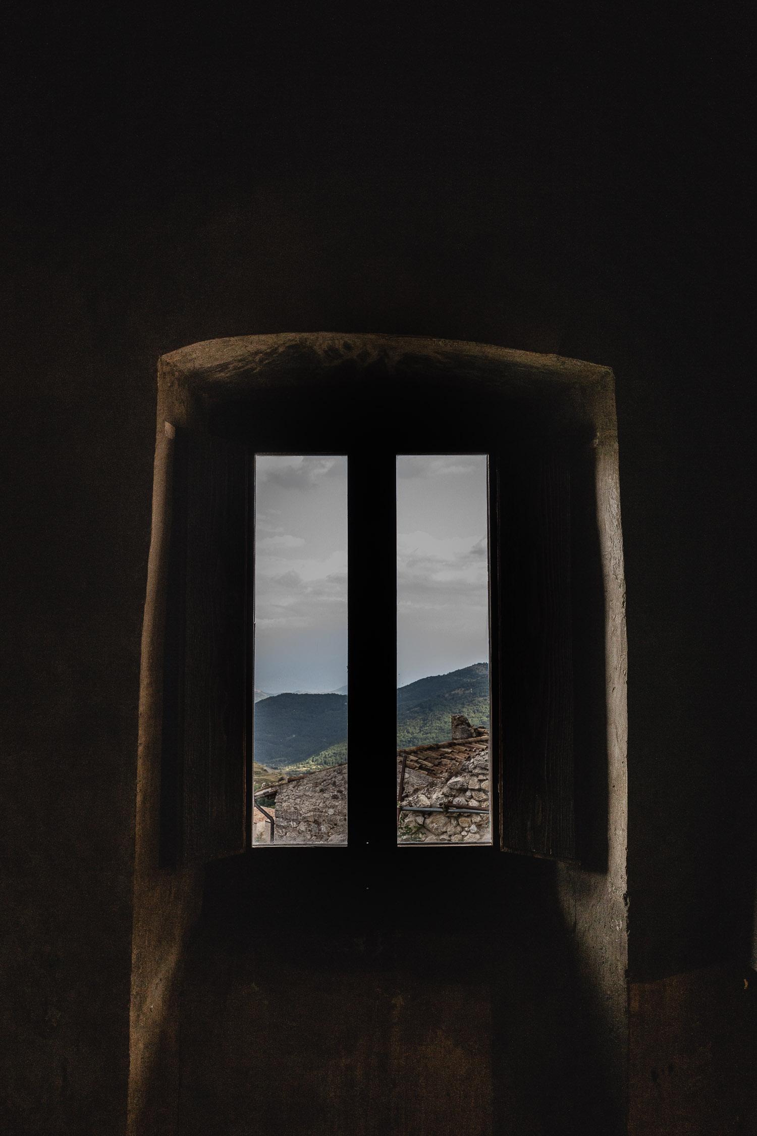 Sextantio-Albergo-Diffuso-window-Abruzzo-5537.jpg