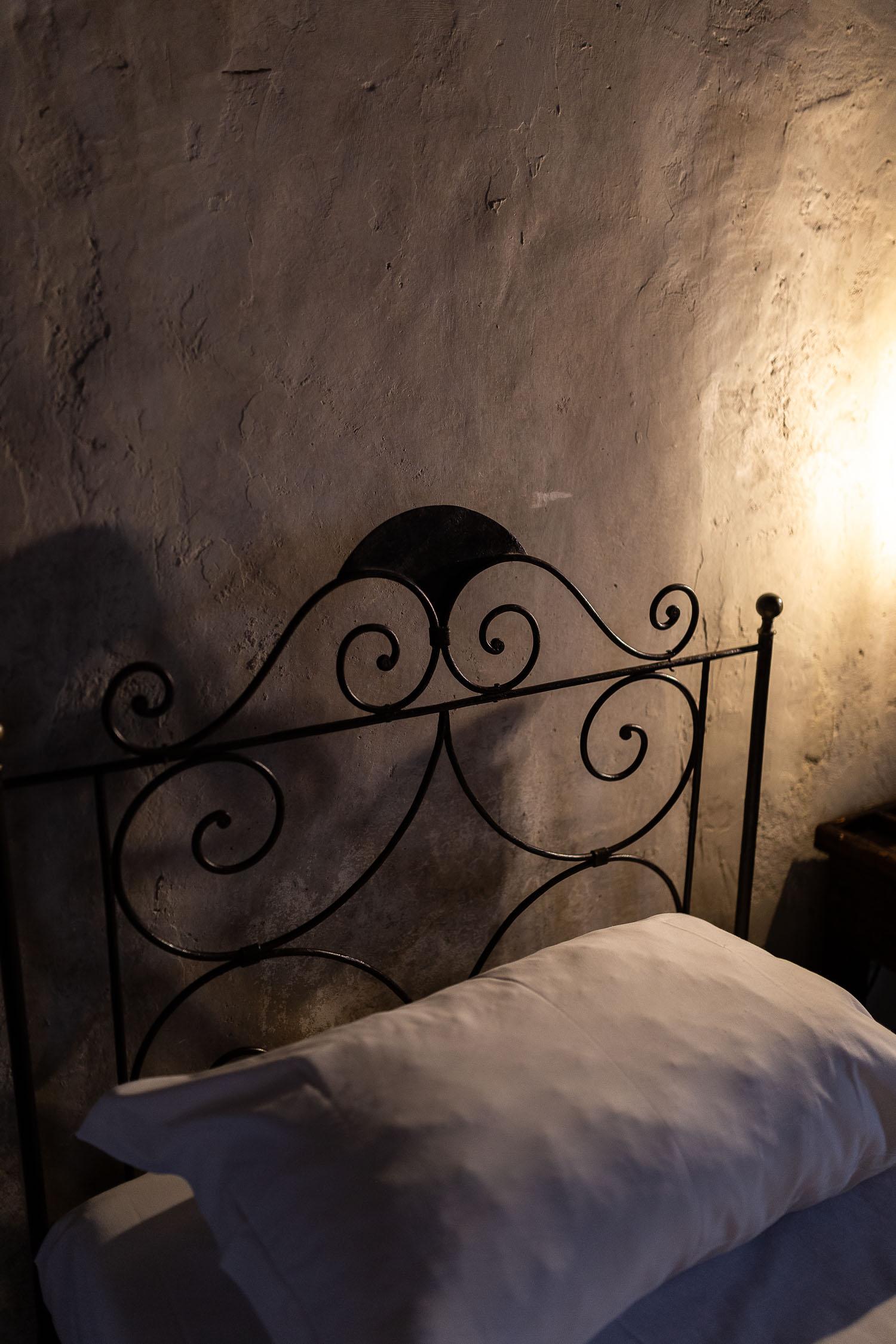 Sextantio-Albergo-Diffuso-iron-bed-detail-Abruzzo-5560.jpg