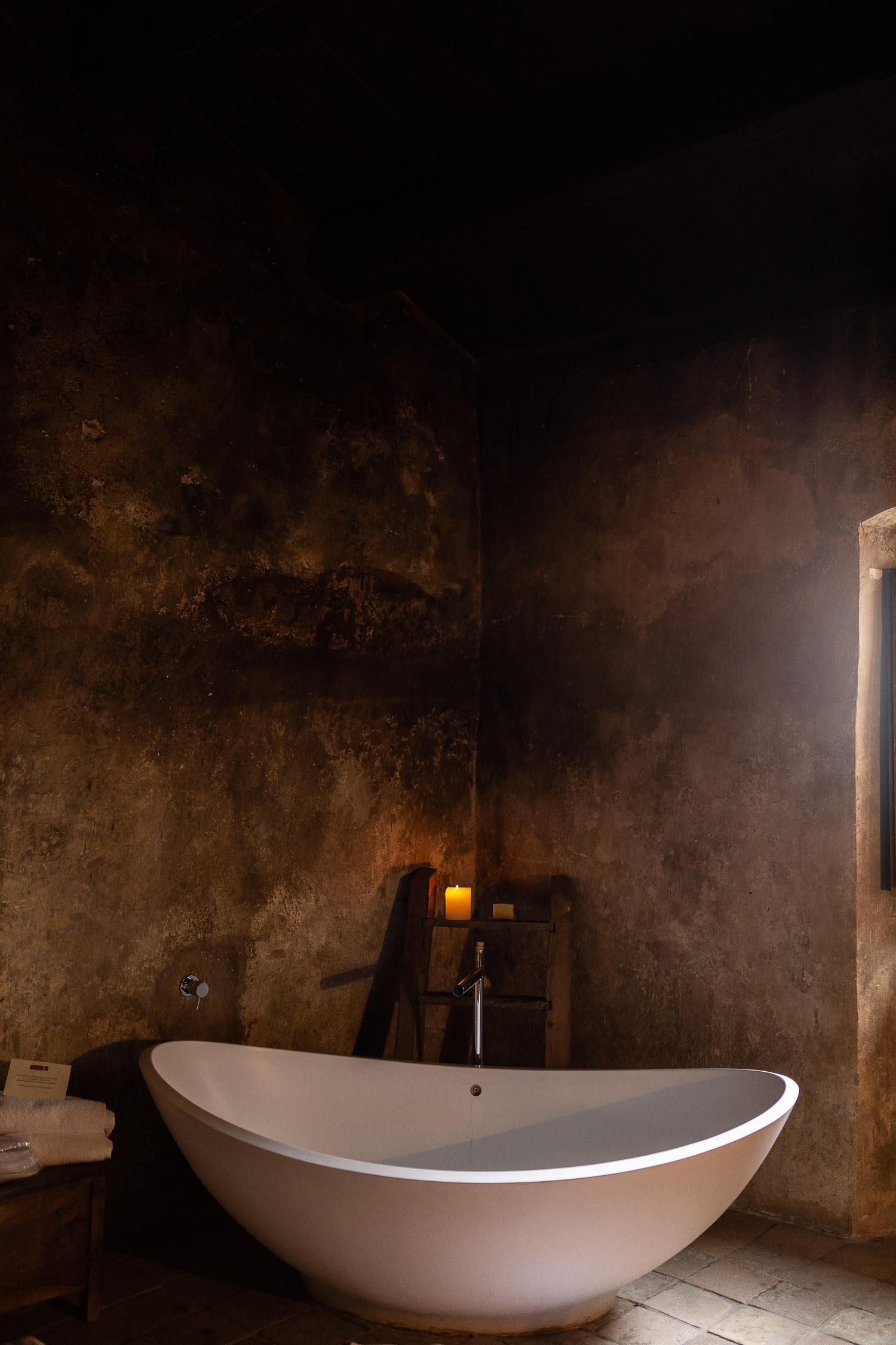 Sextantio-Albergo-Diffuso-Bathtub-Abruzzo-5532.jpg
