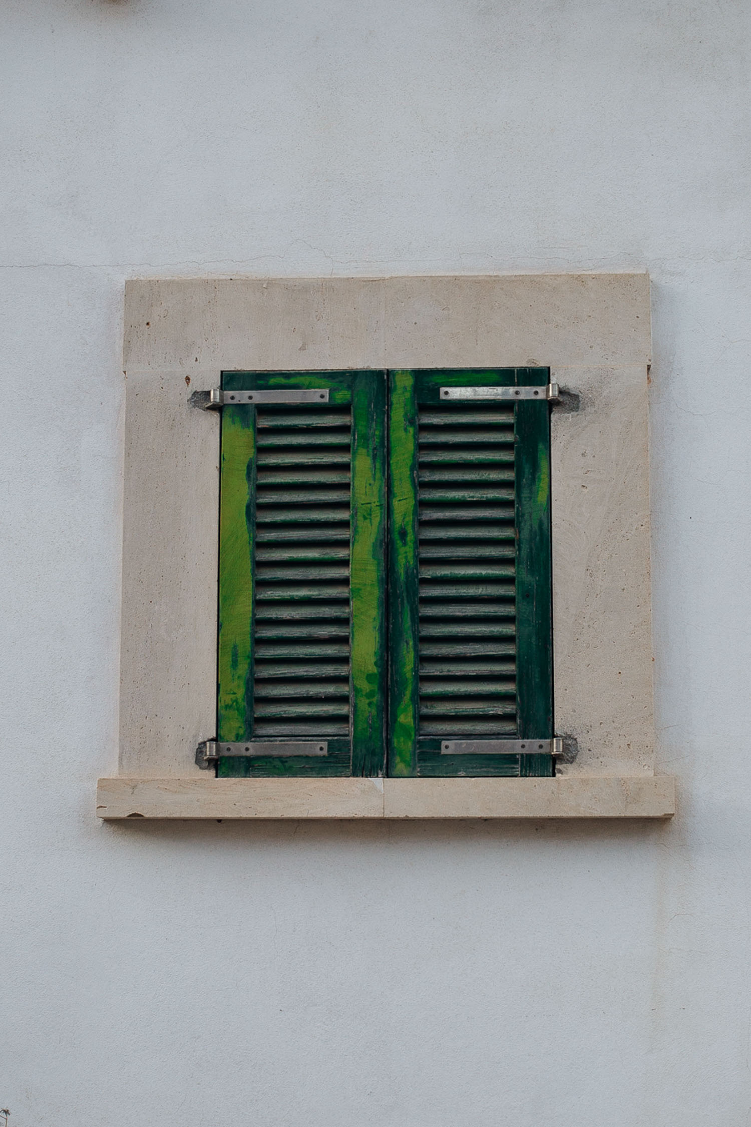 Cala-Figuera-Green-Shutters-Window-Mallorca-1604.jpg