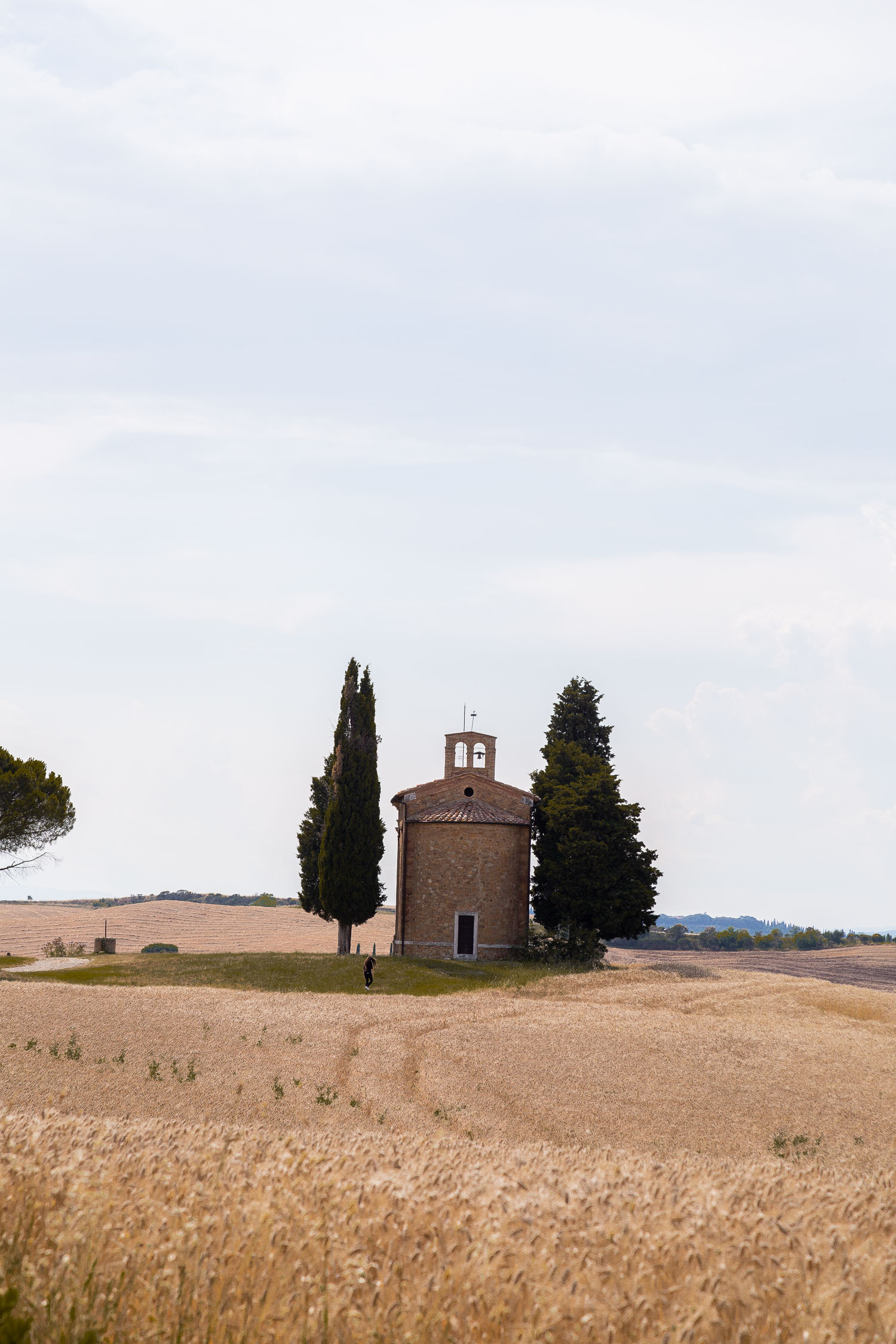 Tuscany-country-church-5233.jpg