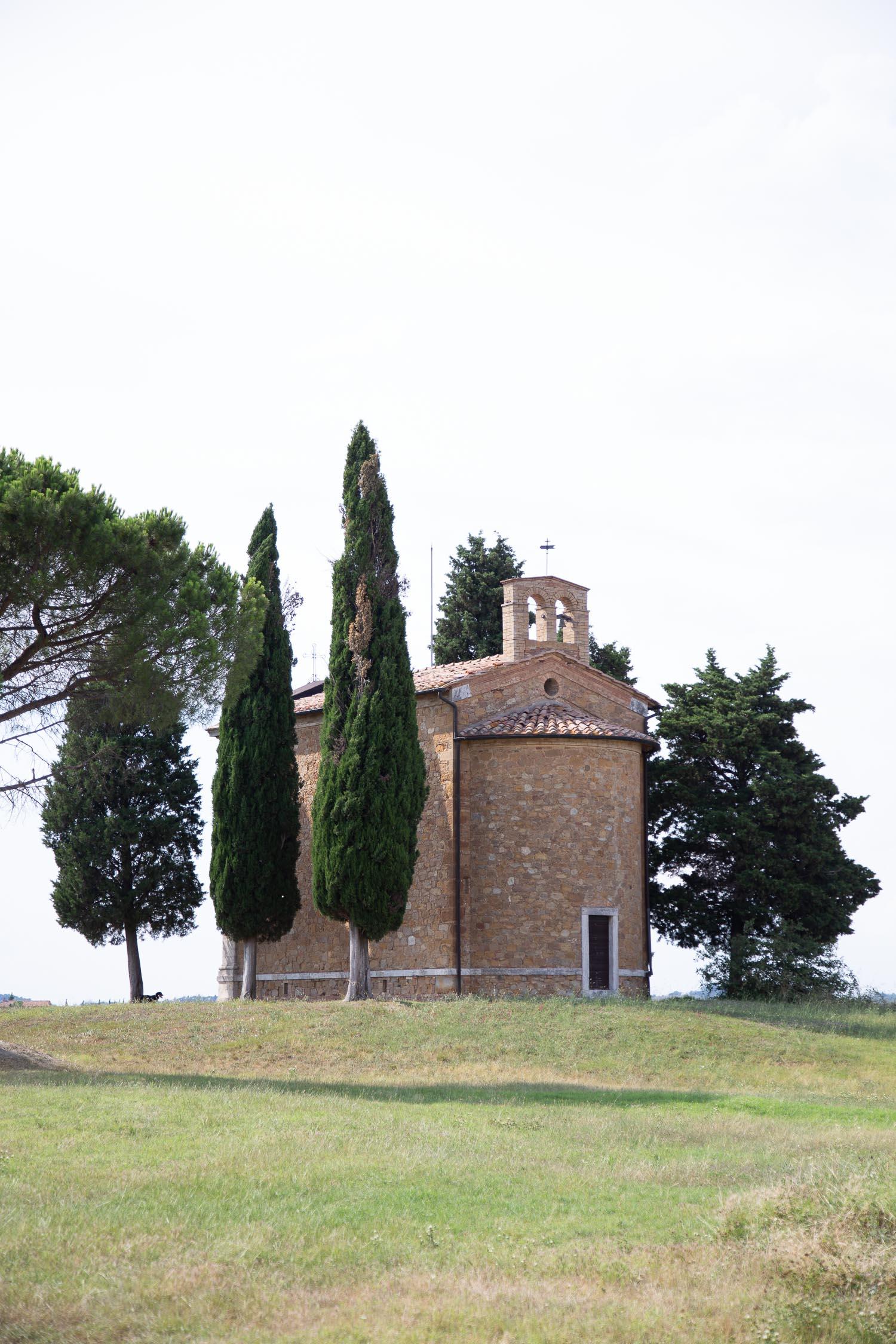Tuscany-country-church-5239.jpg