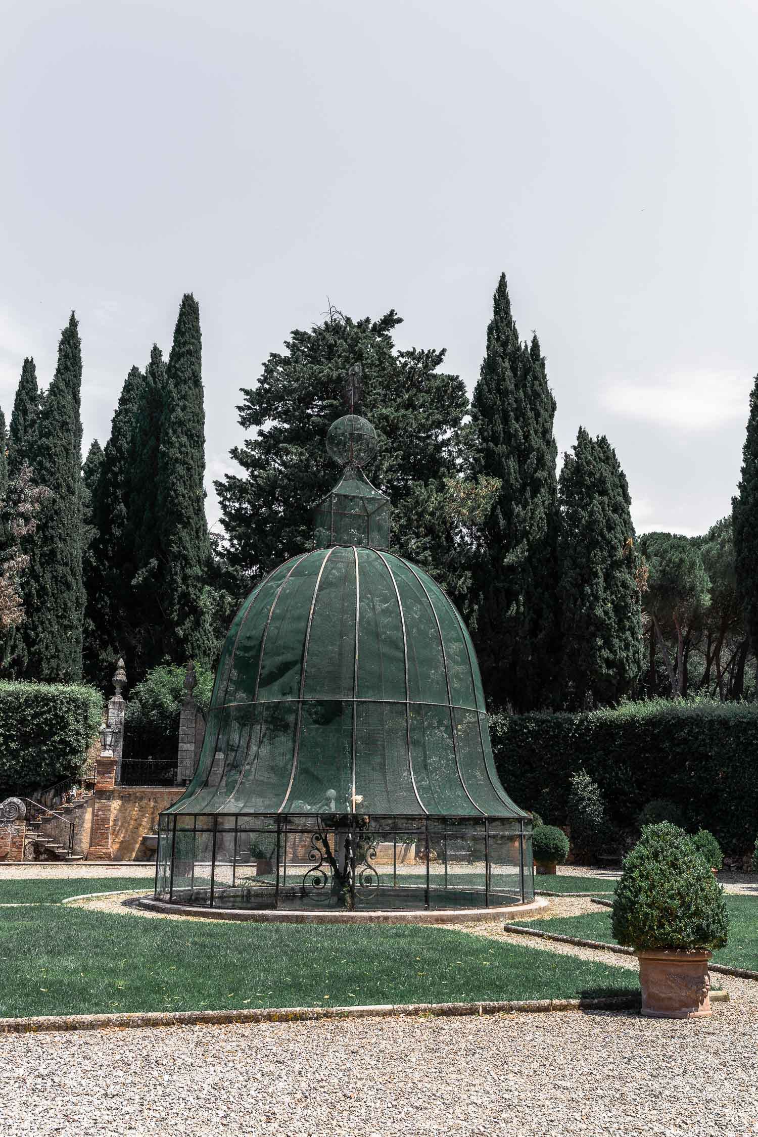 Tuscany-Relais-La-Suvera-courtyard-4730.jpg