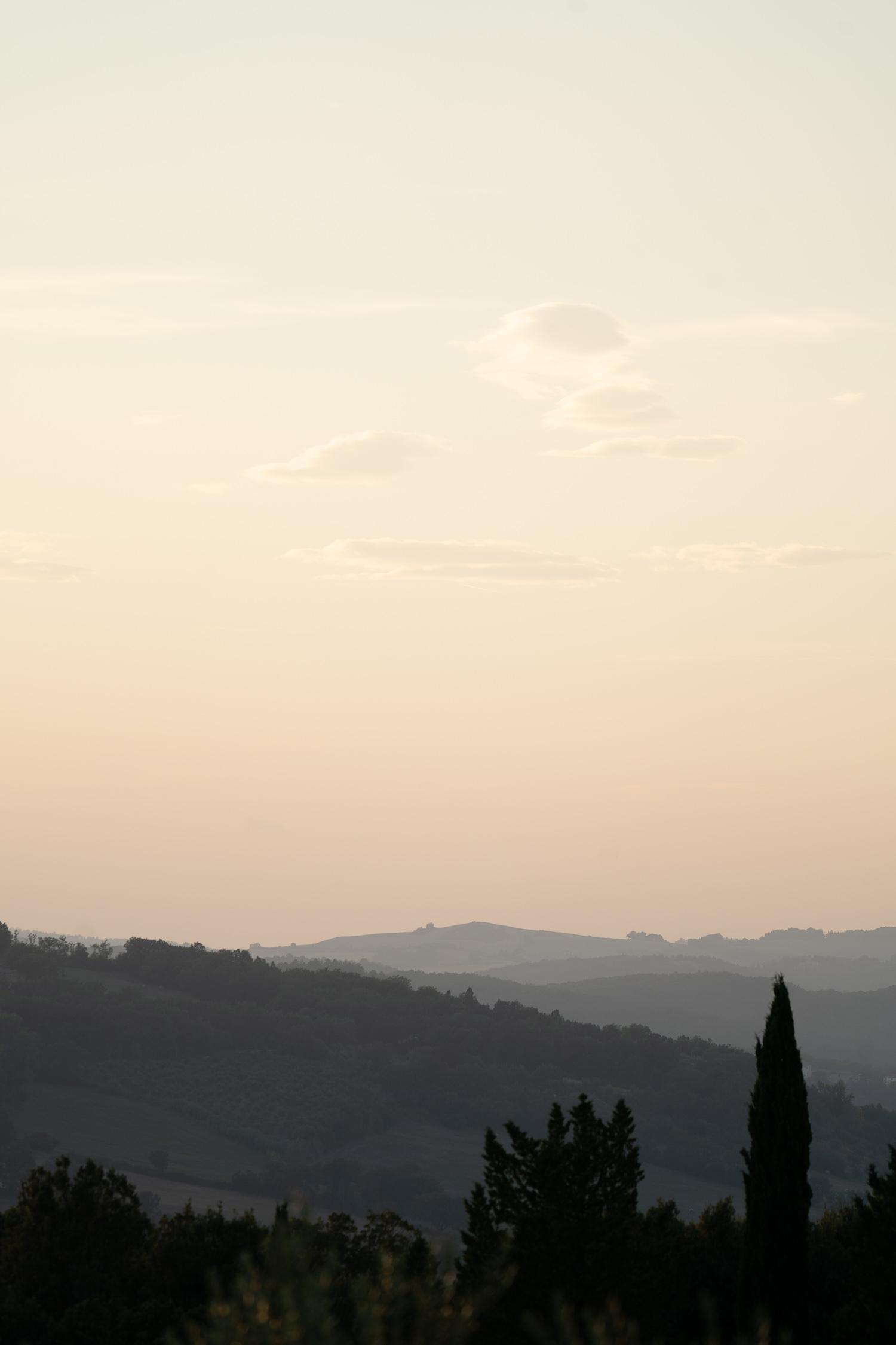 Tuscany-landscape-misty-01879.jpg