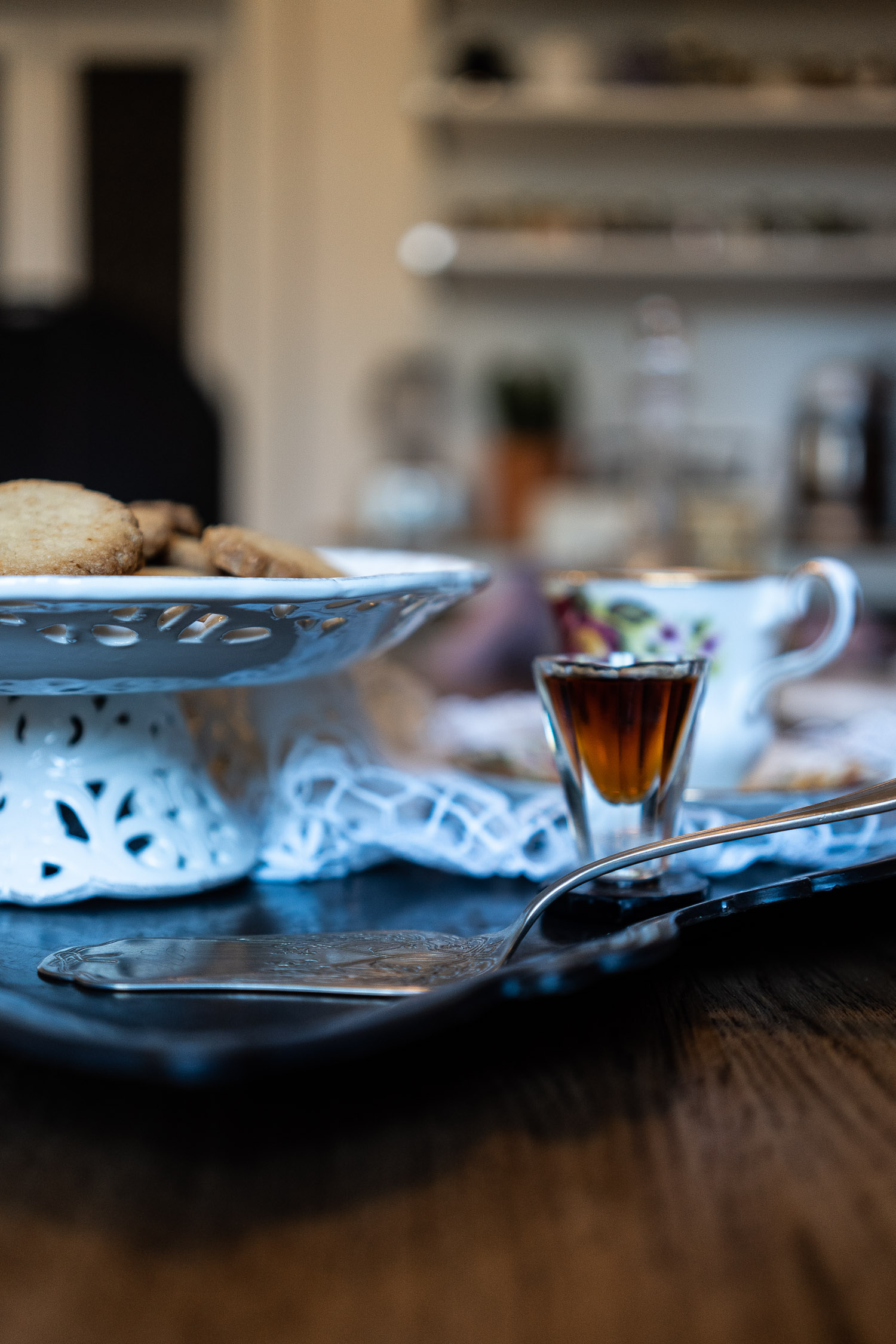 Ginger-and-Chilli-Biscuits-accompnaied-by-Vin-Santo-04051.jpg