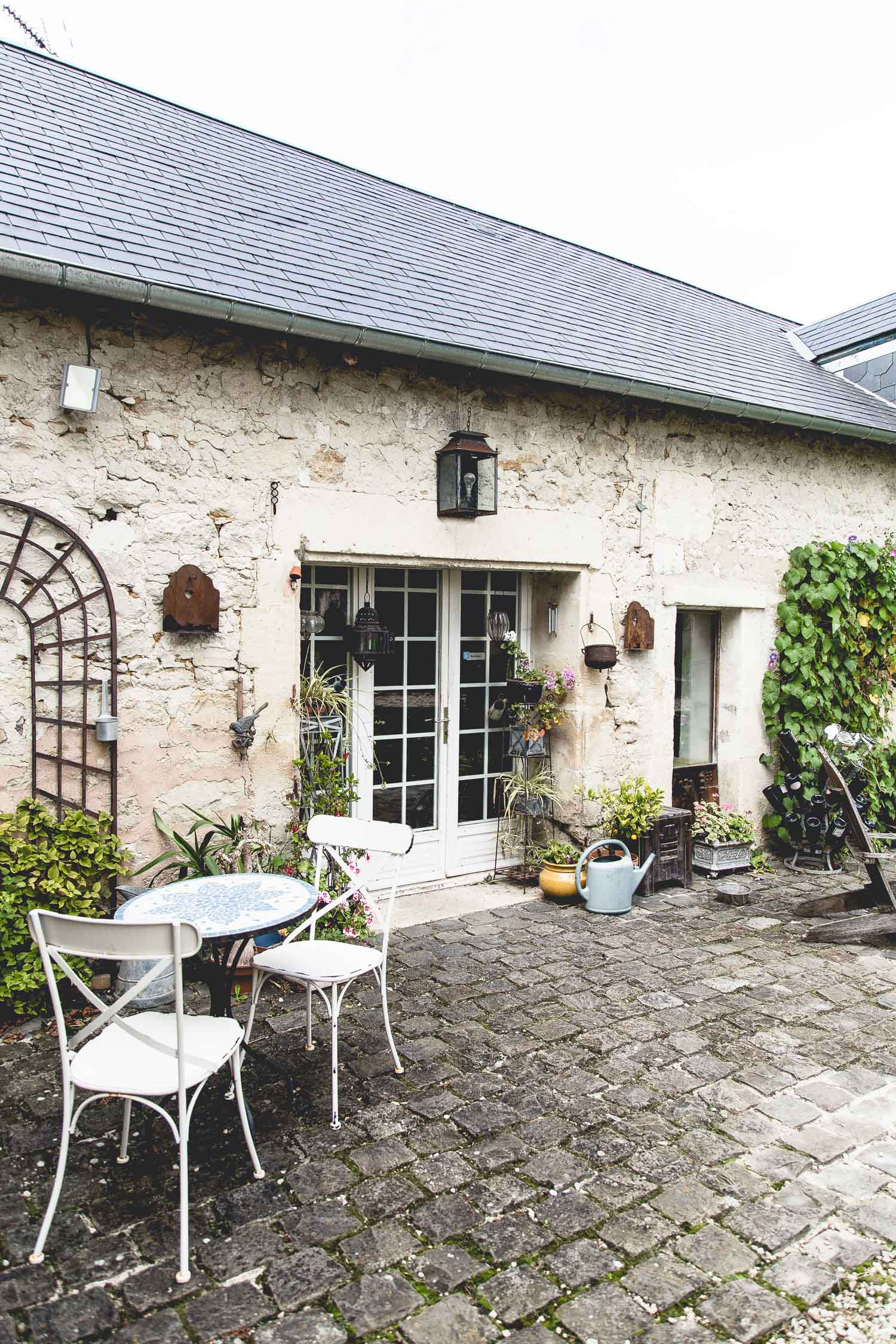 Champagne-Country-Home-Courtyard-France-6208.jpg