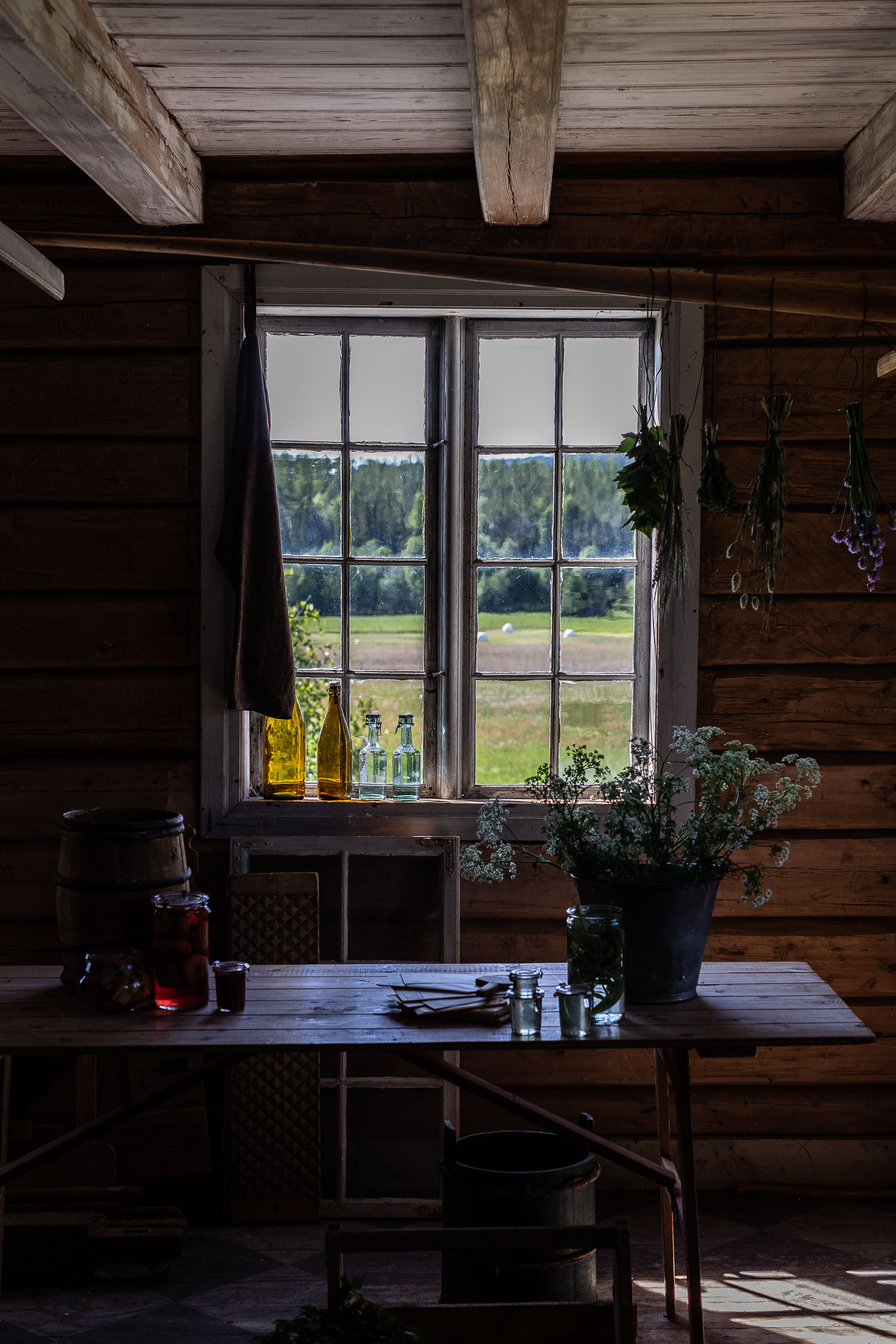 Norway-room-detail-window-2323.jpg