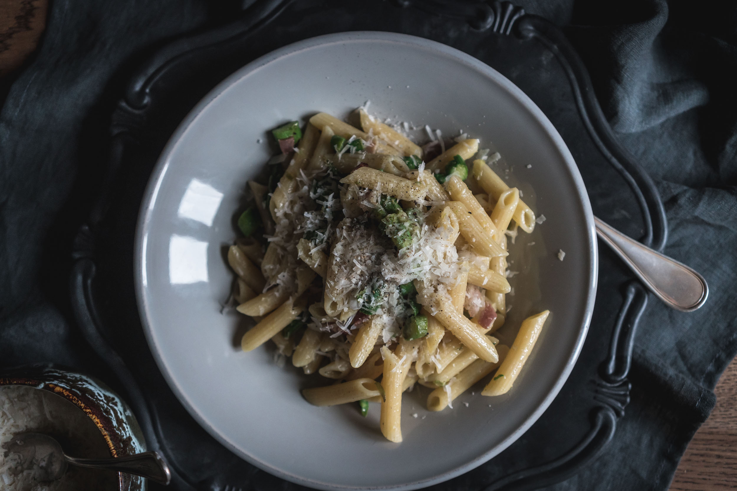 Asparagus-and-Bacon-Penne-Pasta-05131.jpg