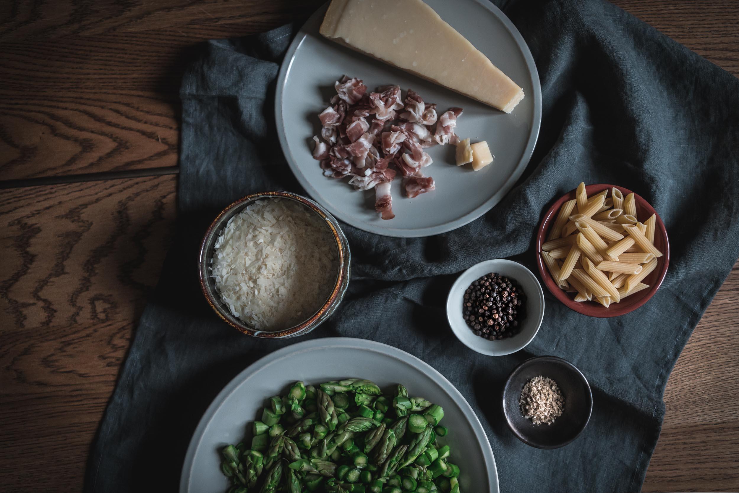 Asparagus-and-Bacon-Penne-Pasta-05099.jpg