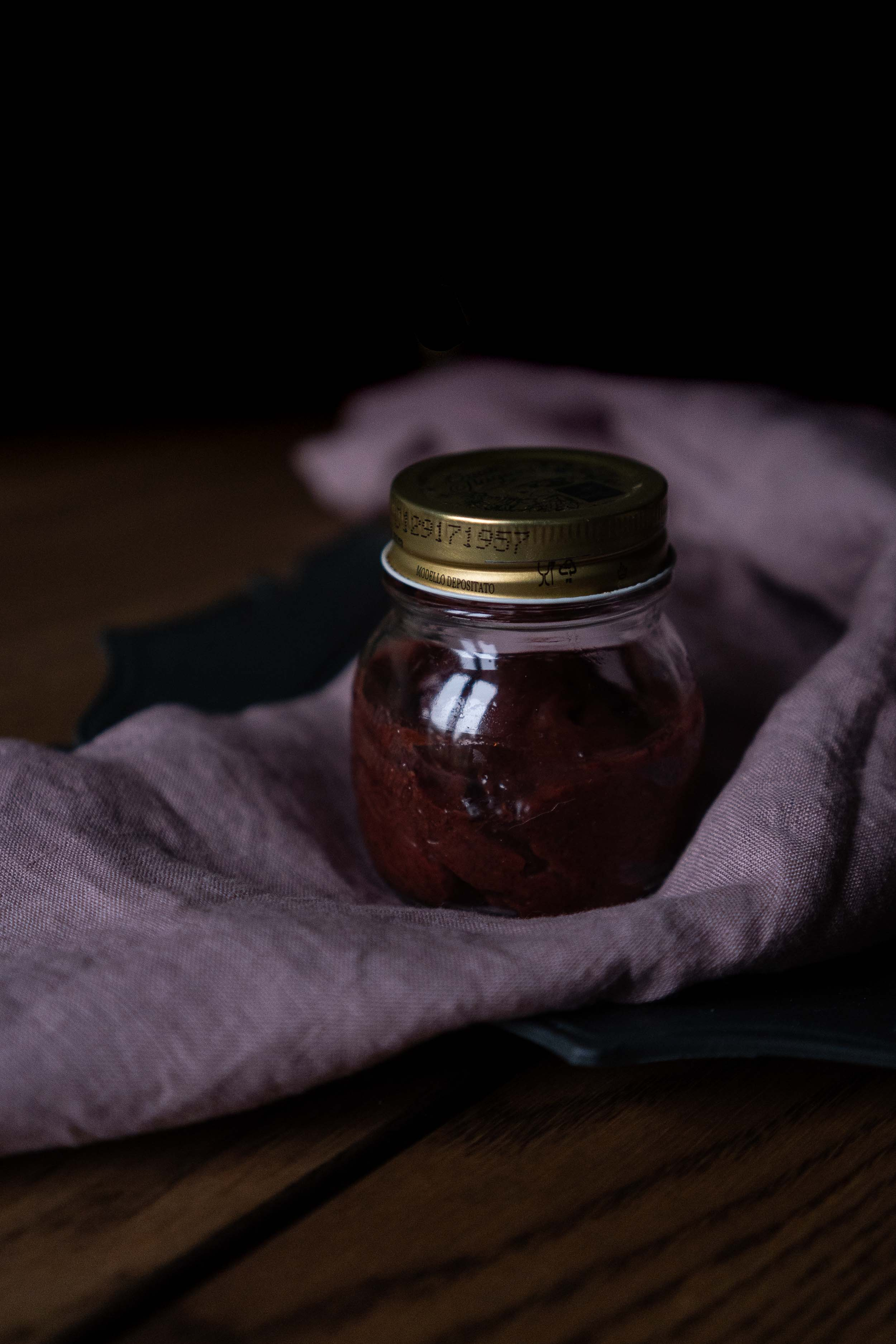 Rhubarb-Jam-with-cardamom-and-ginger-05161.jpg