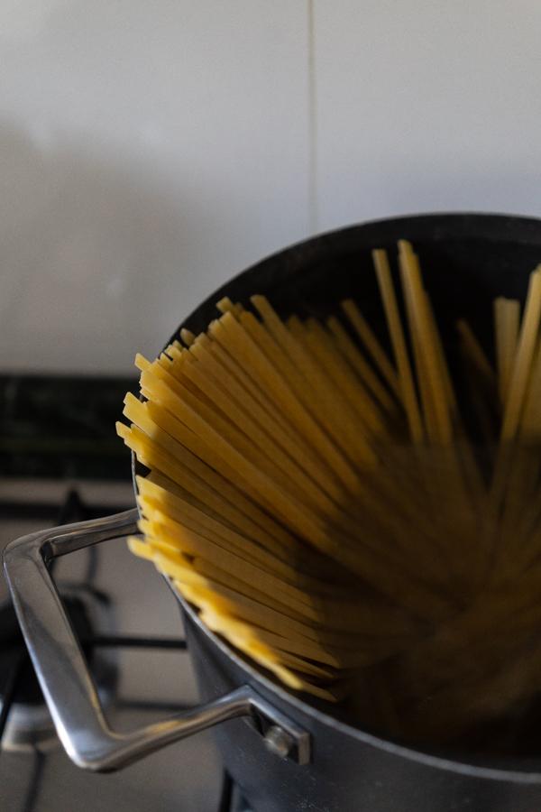 Mare-e-Monti-Linguine-Pasta-05242.jpg