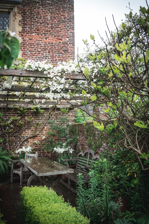 Sissinghurst-Castle-Outdoor-dining-area.jpg