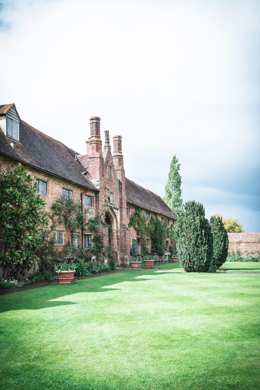 Sissinghurst-Castle-courtyard.jpg