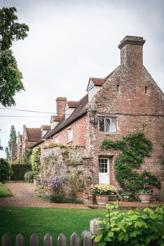 Sissinghurst-Castle-cottage.jpg