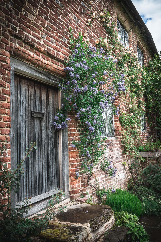 Sissinghurst-Castle-cottage-door-detail.jpg