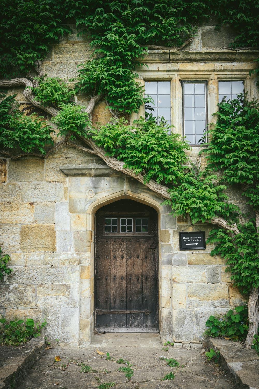 Bateman's-Manor-Rudyard-Kipling-door-detail.jpg