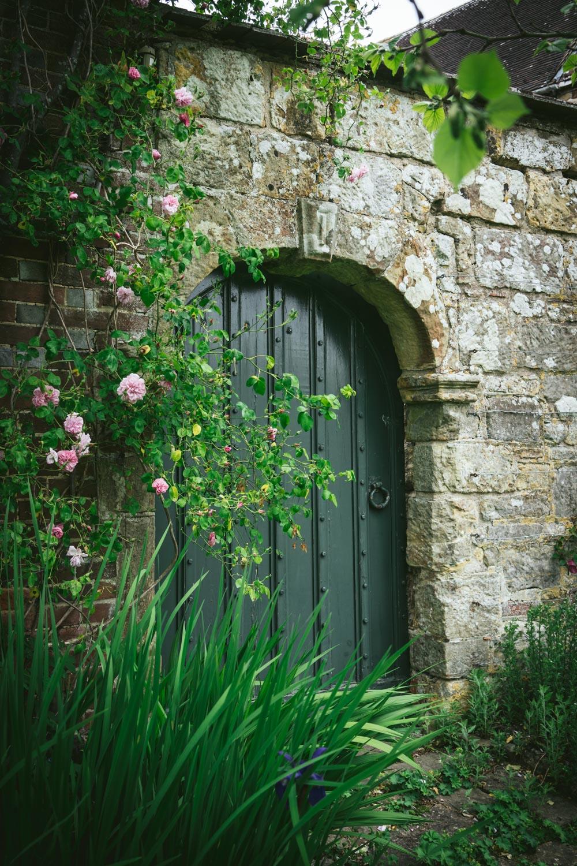 Bateman's-Manor-Rudyard-Kipling-garden-door.jpg