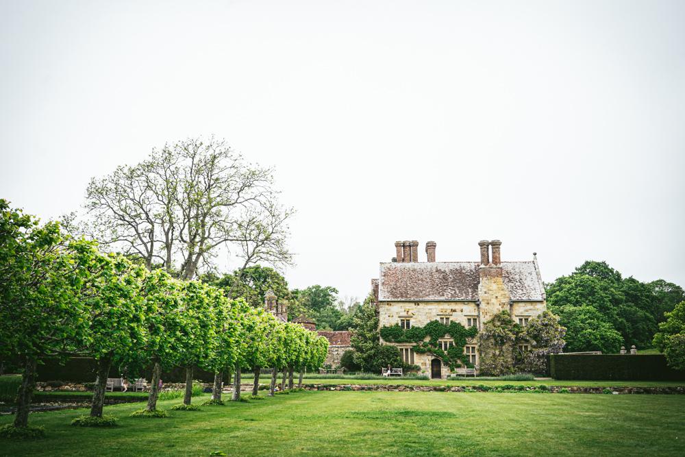 Bateman's-Manor-Rudyard-Kipling-Garden-View.jpg