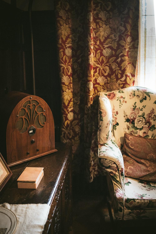 Bateman's-Manor-Rudyard-Kipling-1930s-radio.jpg