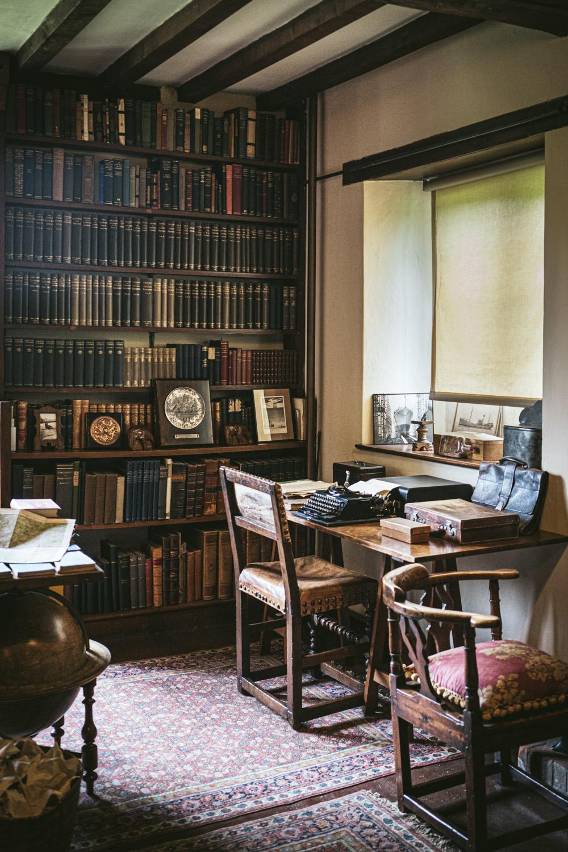 Bateman's-Manor-Rudyard-Kipling-Typewriter.jpg