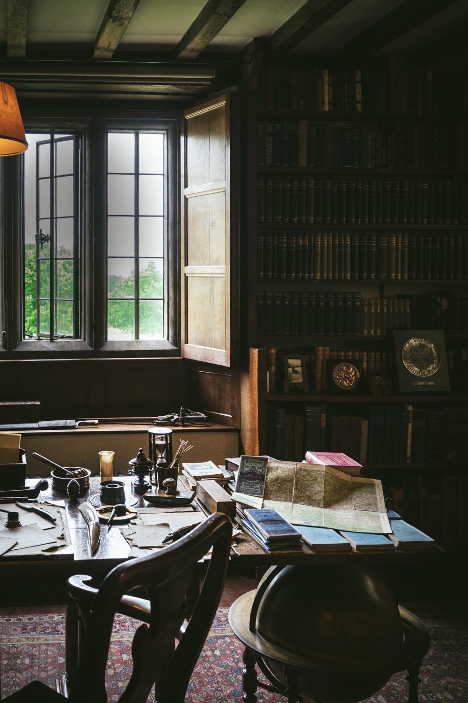 Bateman's-Manor-Rudyard-Kipling-Desk-Detail-maps.jpg