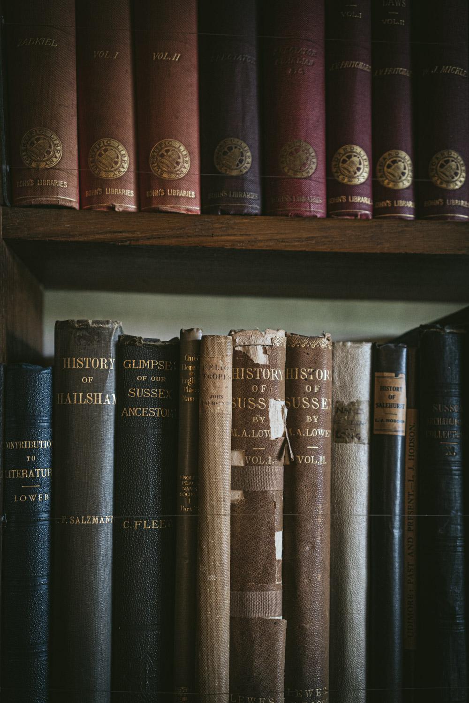 Bateman's-Manor-Rudyard-Kipling-History-of-Sussex-Books.jpg